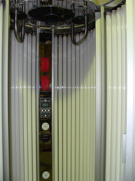 Вертикальный солярий HiiQ-Sun (180 Вт)